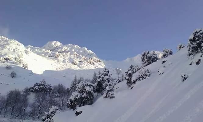 Les vallees kabyles prises par les neiges.