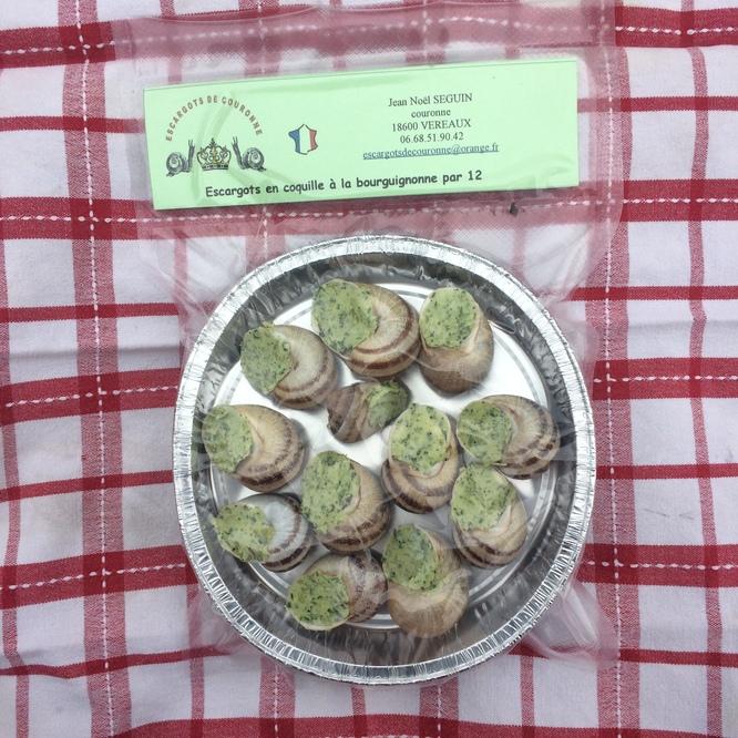 Assiette de 12 escargots en coquille à la bourguignonne