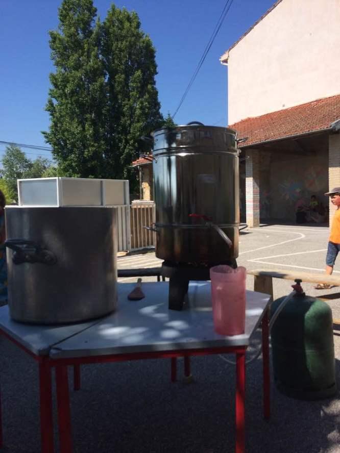 Fabrication de sirop avec l'école de Colombier le jeune