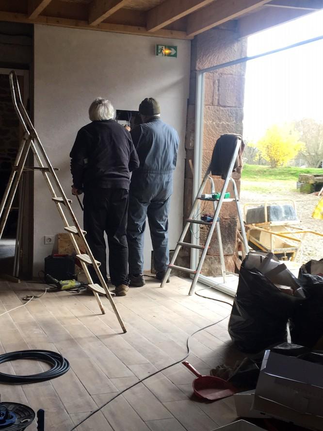 les electriciens aux boulot
