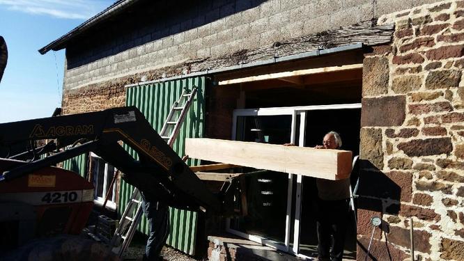 pose de la baie vitrée et de la poutre de 480 kg